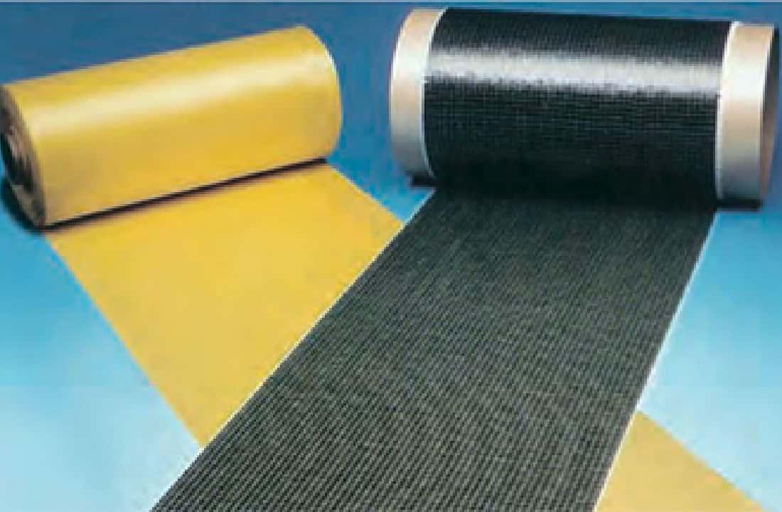 炭素繊維補強材